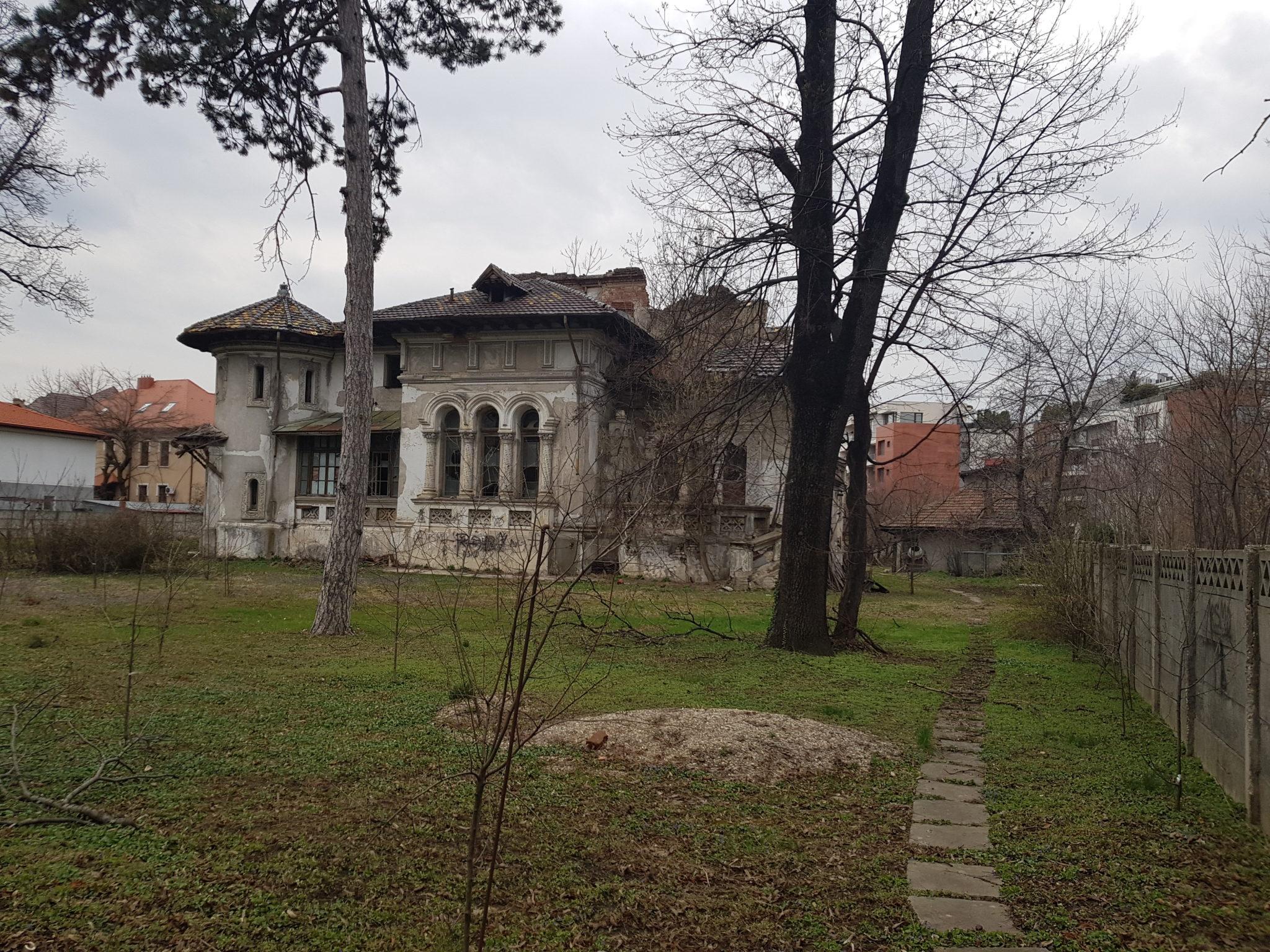 Glibertarians | A tour of Pie's Place: Bucharest, the